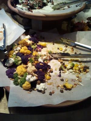 Kleurige bloemkoolsalade