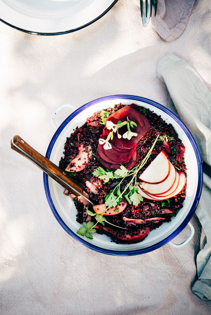 Quinoasalade met bieten en appel